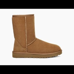 UGG Classic II Boots in chestnut - size 10